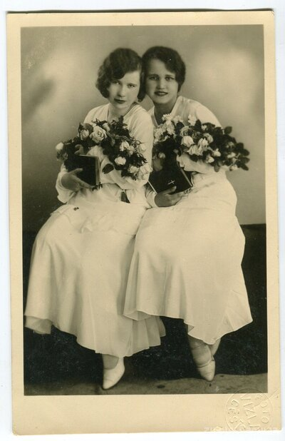 Ella Levitis un Zelma-Antonija Dzērve iesvētību dienā