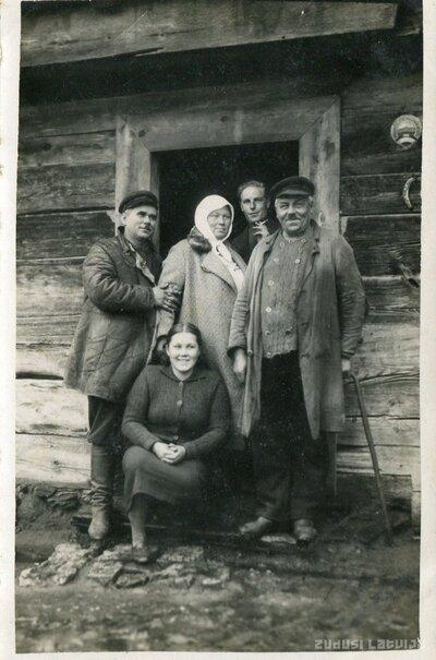 Jelgava. ''Bitenieku'' mājas ļaudis