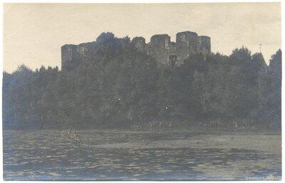 Grobiņas Livonijas ordeņa pils drupas