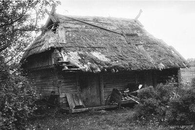 Rucavas pagasts. Mājas Pērkoni klēts