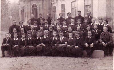 Preiļu lauksaimniecības un mājturības skolas skolēni