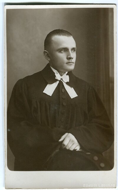 Edmunds Mačs