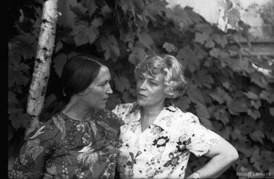 Vera Šneidere un Regīna Rake