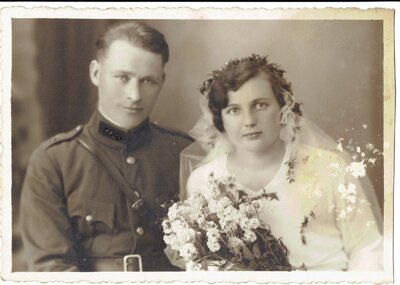 Voldemārs Puriņš un Anna Jēlnieks kāzu dienā