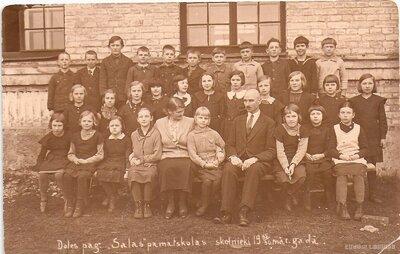 Doles salas pamatskolas skolēni