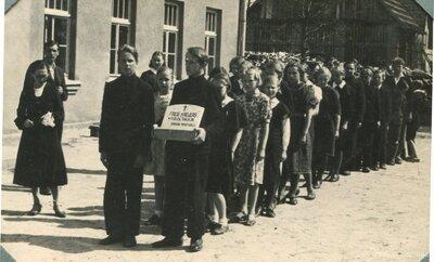 Garozas pamatskolas skolnieki