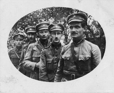 Kapteinis Pēteris Ozoliņš un 6. Rīgas kājnieku pulka virsnieki