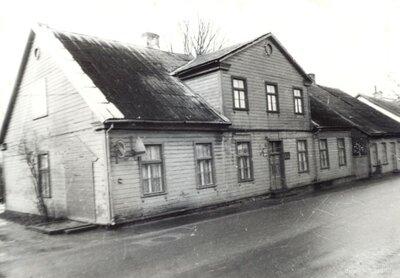 Saldus pasta ēka