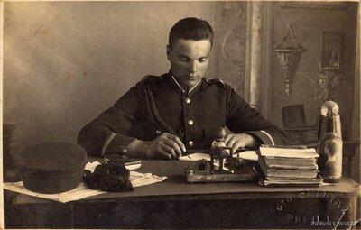 Rakstvedis karadienstā