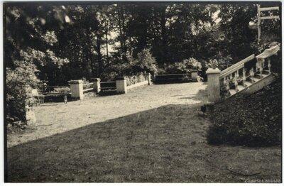 Ape. Muižas kungu mājas terase