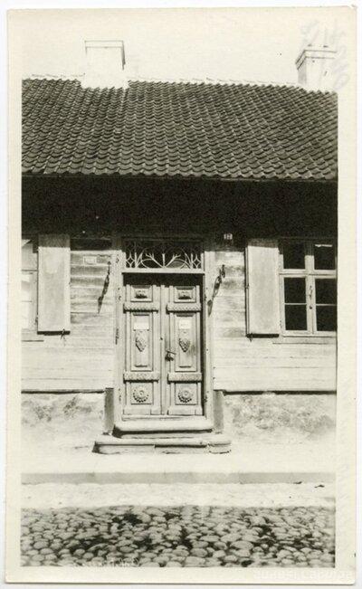 Kuldīga. Vēsturiskā apbūve. Durvis