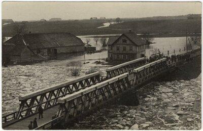 Gaujiena. Ledus iešana un plūdi pie Gaujienas tilta