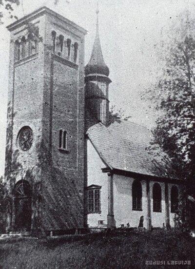 Blīdenes pagasts. Stūru baznīca