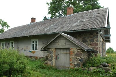 """Rencēnu pagasts. Tēlnieka Emīla Meldera dzimtās mājas un darbnīca """"Speļģi"""""""