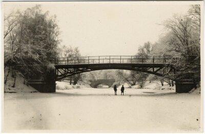 Rīga. Kājnieku tilts (Timma tilts) pār pilsētas kanālu pie Nacionālās operas