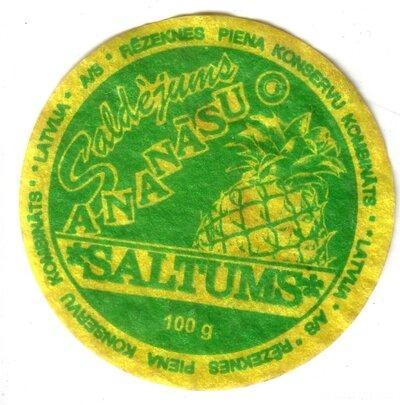Ananāsu saldējums Saltums. Etiķete
