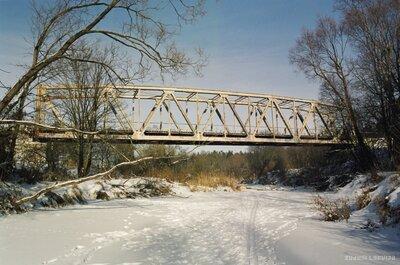 Dzelzceļa tilts pār Mazo Juglu