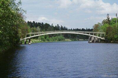 Gājēju tilts pār Ogres upi Ogrē