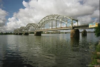 Dzelzceļa tilts pār Daugavu Rīgā