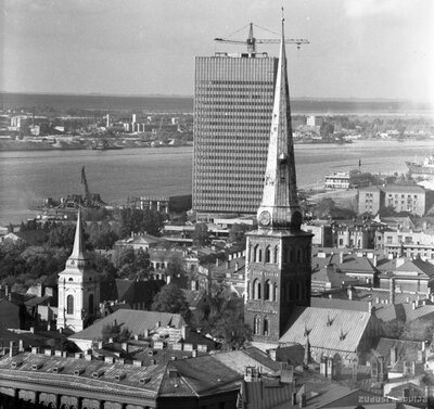 Fotogrāfēšana no Pēterbaznīcas torņa un kara cenzūra