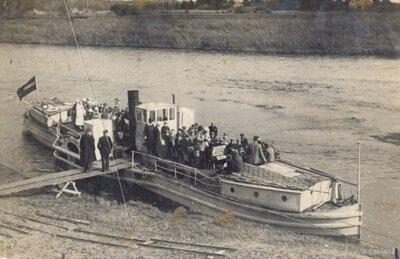 Preču un pasažieru kuģītis Piltene piestātnē Kuldīgā