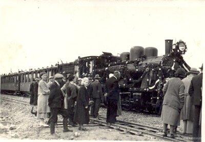 Pirmā vilciena pienākšana Kuldīgas stacijā