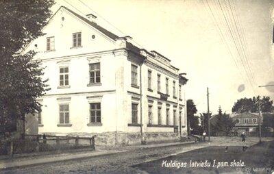 Kuldīgas latviešu pirmā pamatskola