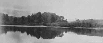 Korneta muižas pils pāri Ievas ezeram