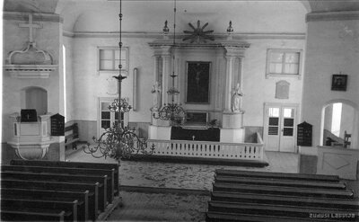 Opekalna luterāņu baznīca. Altāris