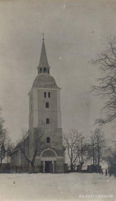 Mežotnes baznīca