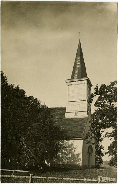 Vestienas luterāņu baznīca