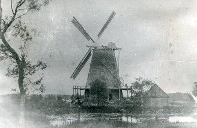 Stendes vējdzirnavas