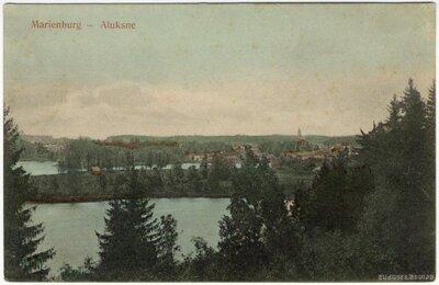 Alūksnes ezers. Skats no Tempļa kalna uz Alūksni pāri Pilssalai