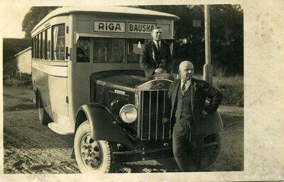 Autobuss. Autobusu satiksme Bauska - Rīga
