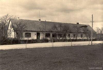 Medzes pagasts. Aizsargu nams
