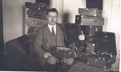 Rīga. Patafonu tirgotājs
