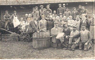 Kulšanas talkas dalībnieki bijušā Saikavas pagasta Medņos