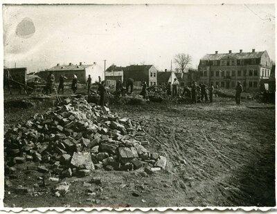 Bauska. Otrā pasaules kara drupu novākšana