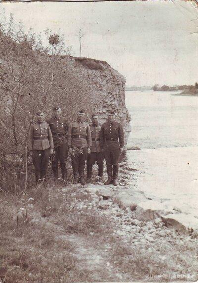 Latvijas armijas karavīri pie Lorelejas klints