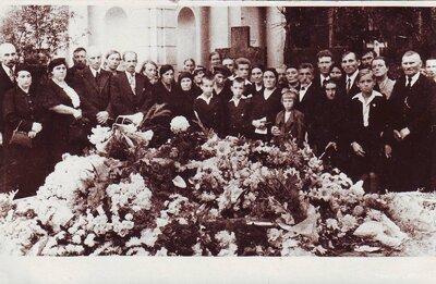 Jelgava. Kārļa Sūnas bēres Bērzu kapos