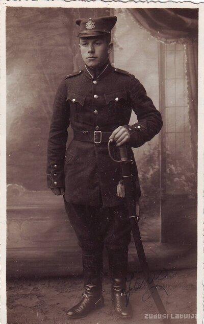 Daugavpils kavalērijas pulka karavīrs Jānis Padedzis