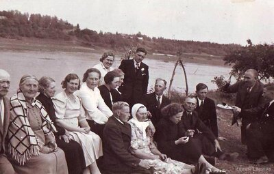 Jēkabpils. Salas. Daugavas krastā pie Stūra Brēķiem
