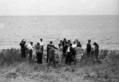 Zvejnieku svētku apmeklētāji Salacgrīvas jūrmalā