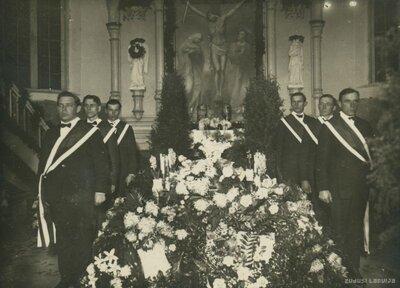 Kalnciema skolotāja Redliha bēres 1926. gada 3. janvārī