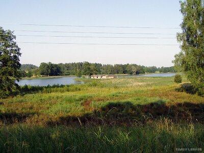 Āraišu ezers un ezerpils no Drabešu-Cēsu ceļa