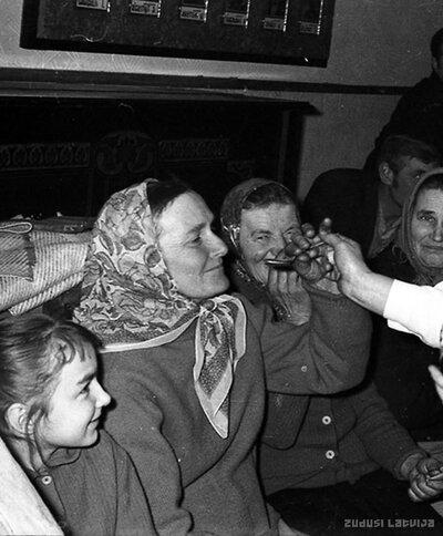 Karnevāls Kauguru kultūras namā 1969.gada janvārī