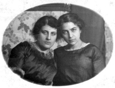 Lerija Hercberga ar draudzeni