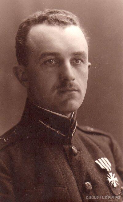 Virsleitnants Jānis Žīds ap 1922. gadu