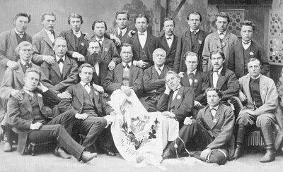 Vietalvas Dziedātāju biedrības dibinātāji Odzienas pilī 1870. gada 10. maijā