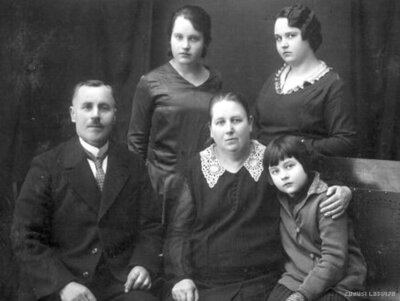 Talsi. Teodors Reinholds Ceilers ar ģimeni